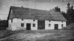 Ladugården som Charles byggde före bostadshuset.